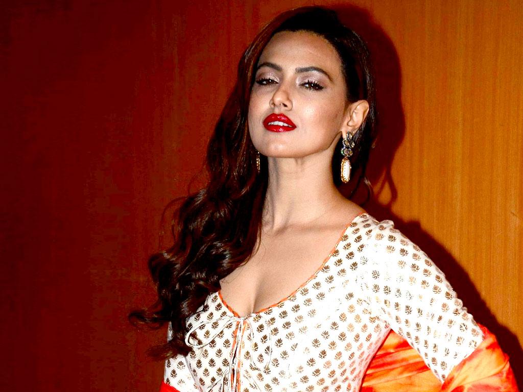 Wajah Tum Ho Movie Actress Sana Khan Hot Photo