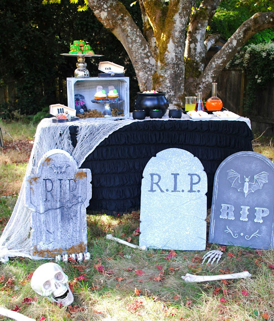 Halloween party ideas and inspiration by Fizzy Party
