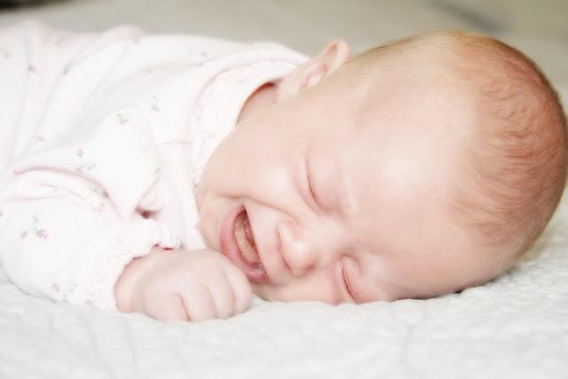علاج المغص المعوي عند الأطفال
