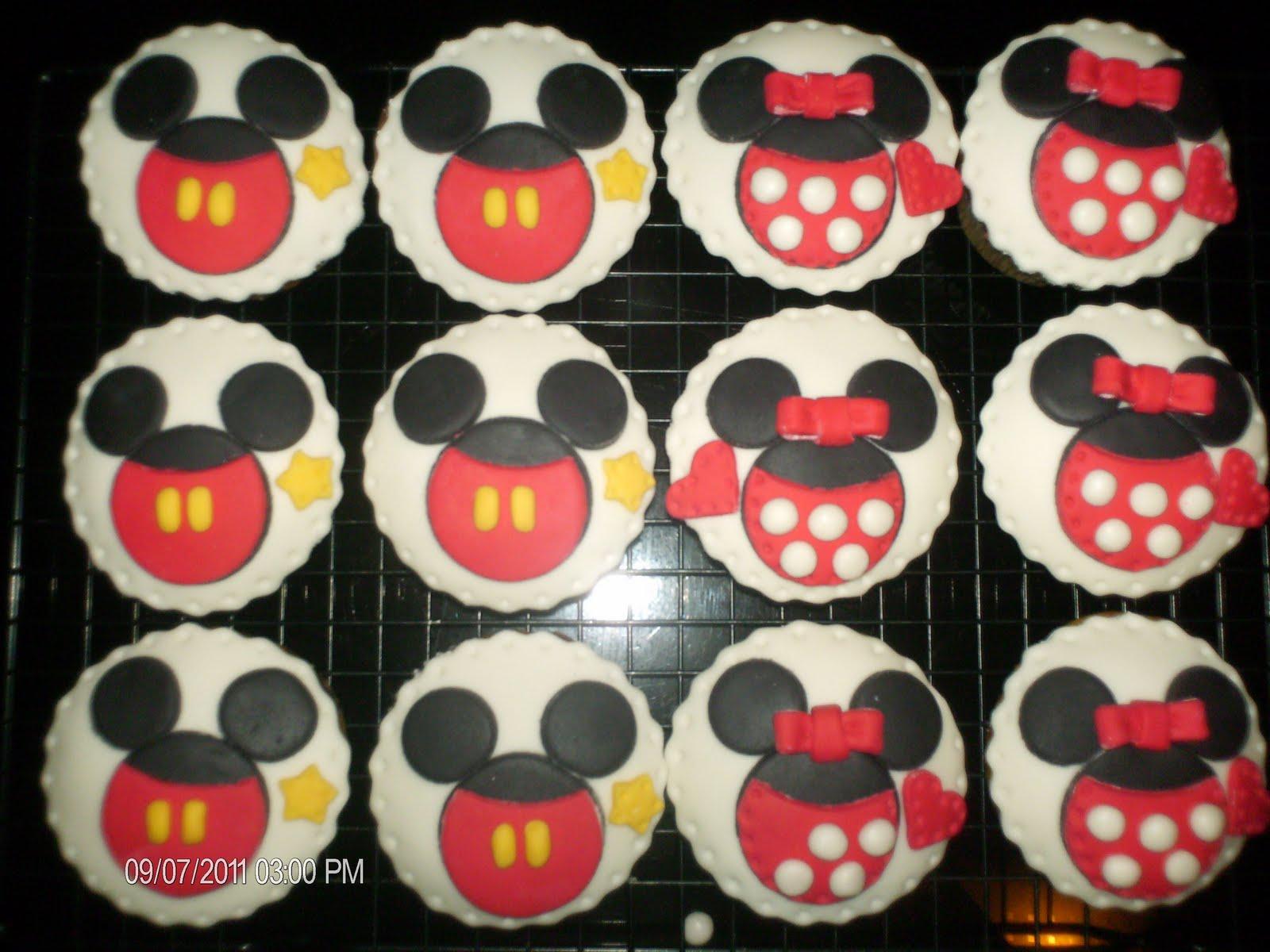 Qqcupcakes Mickey Minnie Cupcakes