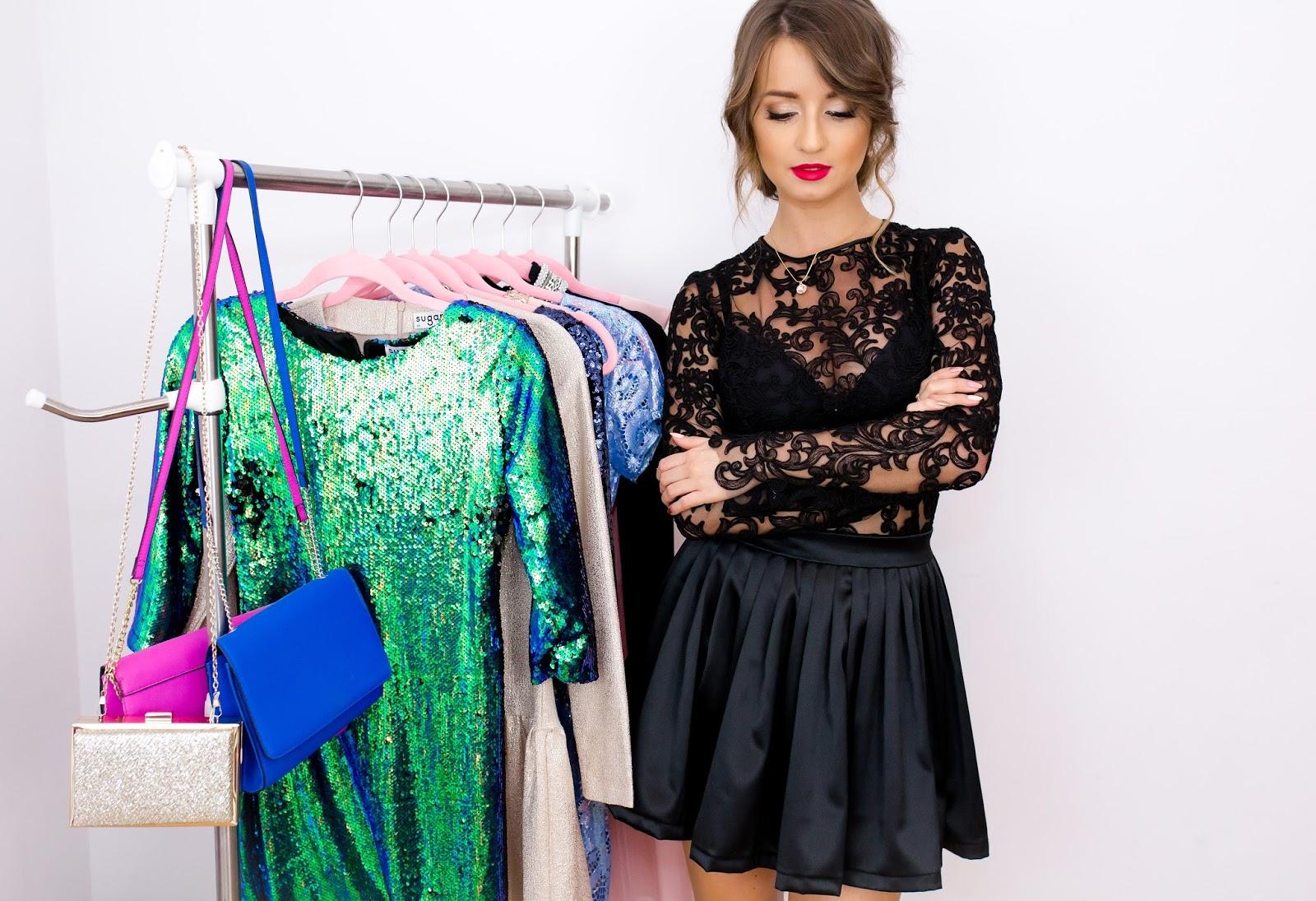 0039781997 MIMKA proponuje elegancką i kobiecą sukienkę wykonaną z włoskiej koronki  oraz satyny.