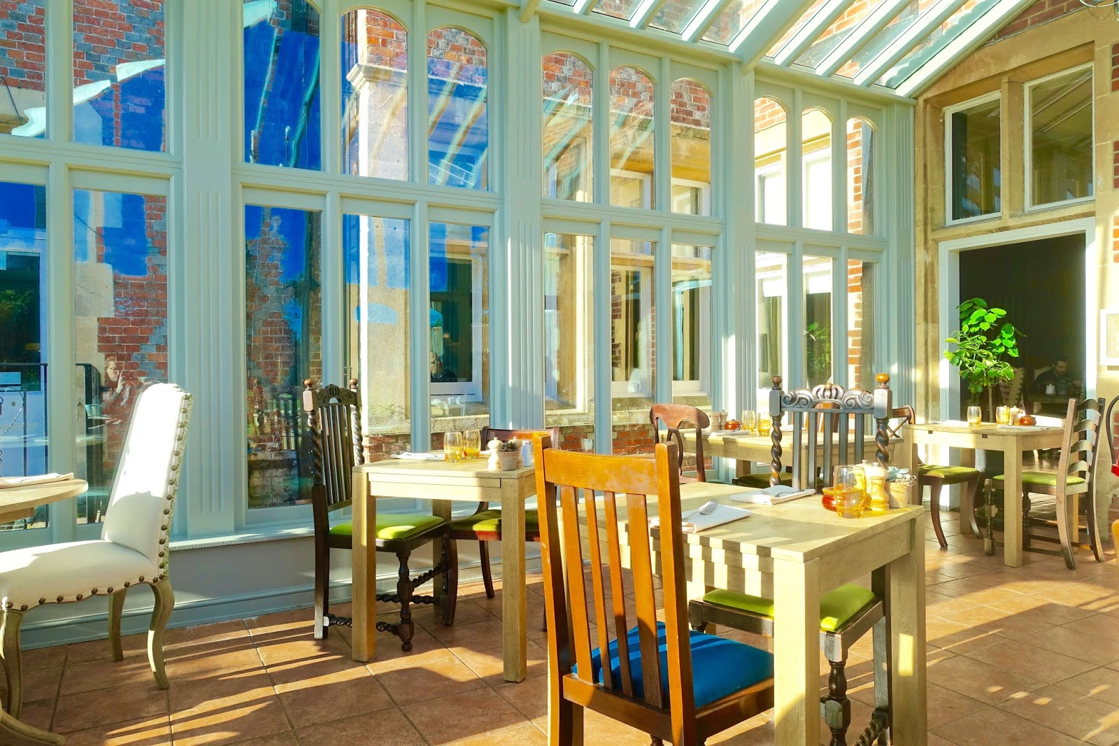 breakfast conservatory at burley manor