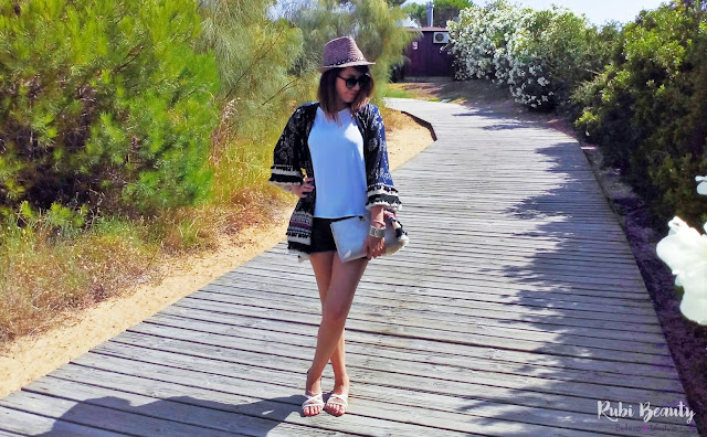 outfit kimono sheIn verano summer pom pom pompones