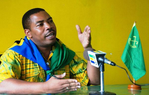 HIVI Ndivyo Mwigulu Nchemba Alivyomvaa Tundu Lissu Kwa Kukwamisha Jitihada za Rais Magufuli Sakata la Mchanga
