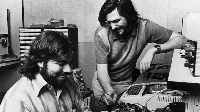 The story of apple(Informative Articles)