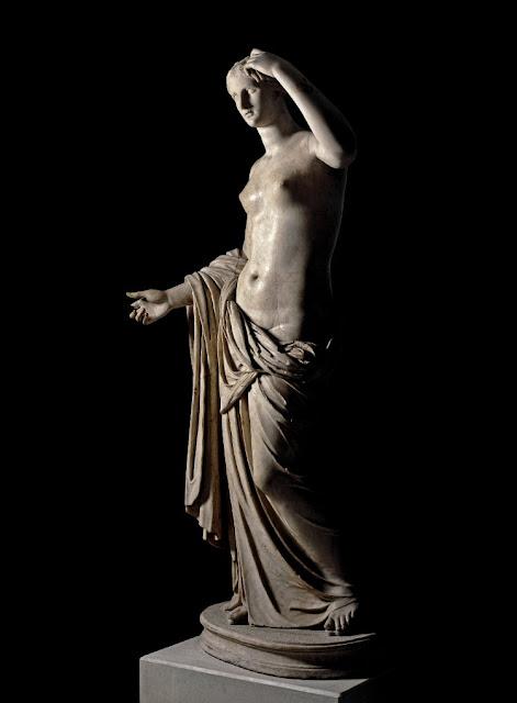 Waiter knocks thumb off Roman sculpture at British Museum