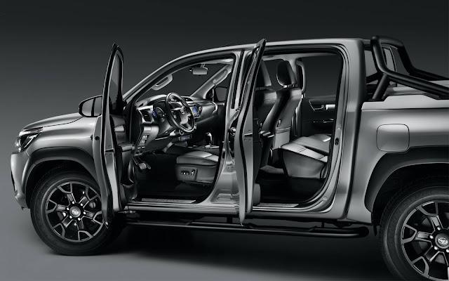 Toyota Hilux Black Edition 2019