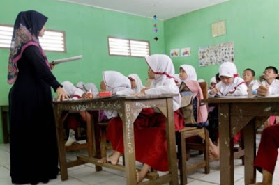Mendikbud: Jangan Jadikan Guru Pekerjaan Sampingan