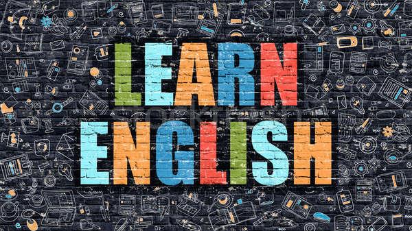 نموذج استرشادى الاول لمادة اللغة الانجليزية للثانوية العامة 2019