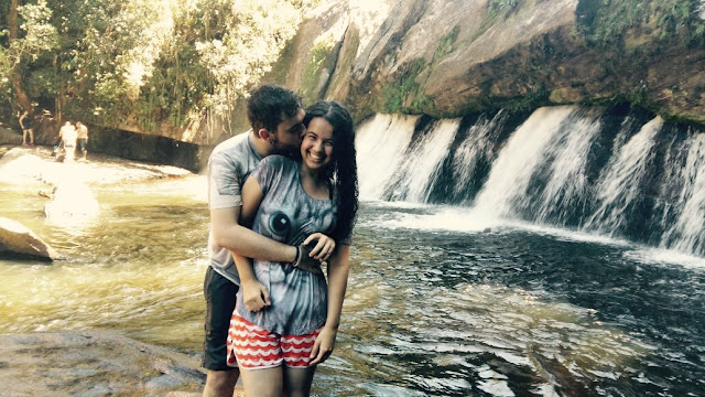 foto casal cachoeira
