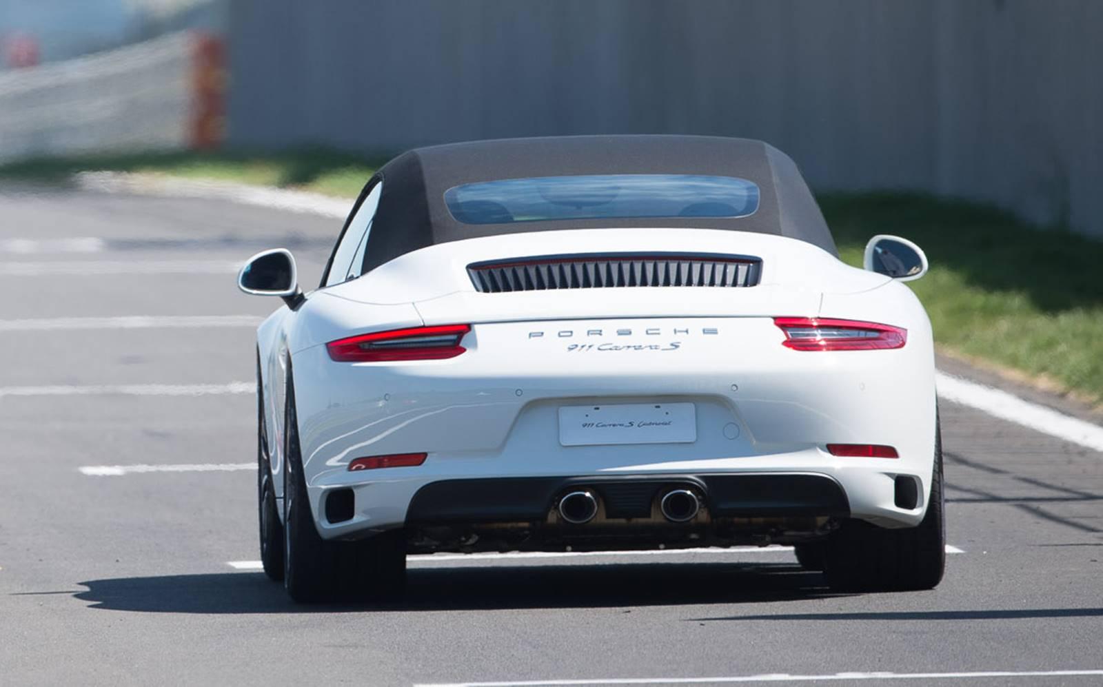 e8bbe03789c5b Novo Porsche 911 2016  preço parte de R  509 mil, no Brasil  . Novo Porsche  911 2016  Preço de Porsche 911 3.8 Turbo S Cabriolet PDK 2018  Tabela FIPE  e KBB