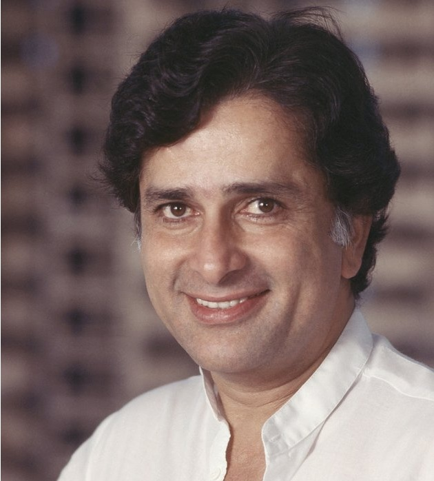 Do you know the education qualification of Kapoor family ...