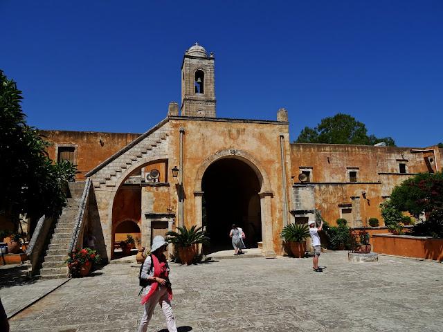 najbogatszy klasztor na Krecie