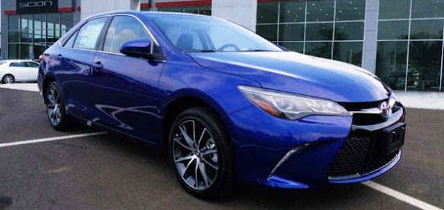 2016 Toyota Camry XSE V6 Specs and Features Canada