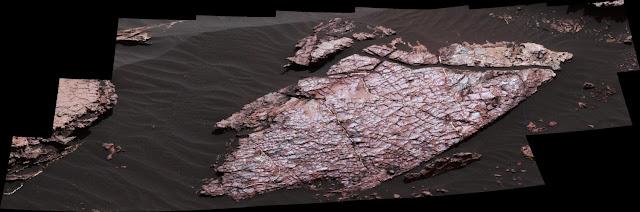 Mars rover Curiosity examines possible mud cracks