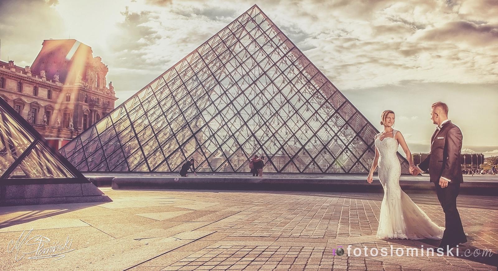Paryż - Luwr - wymarzona sesja ślubna w Paryżu. Fotografia ślubna - FotoSlominski.