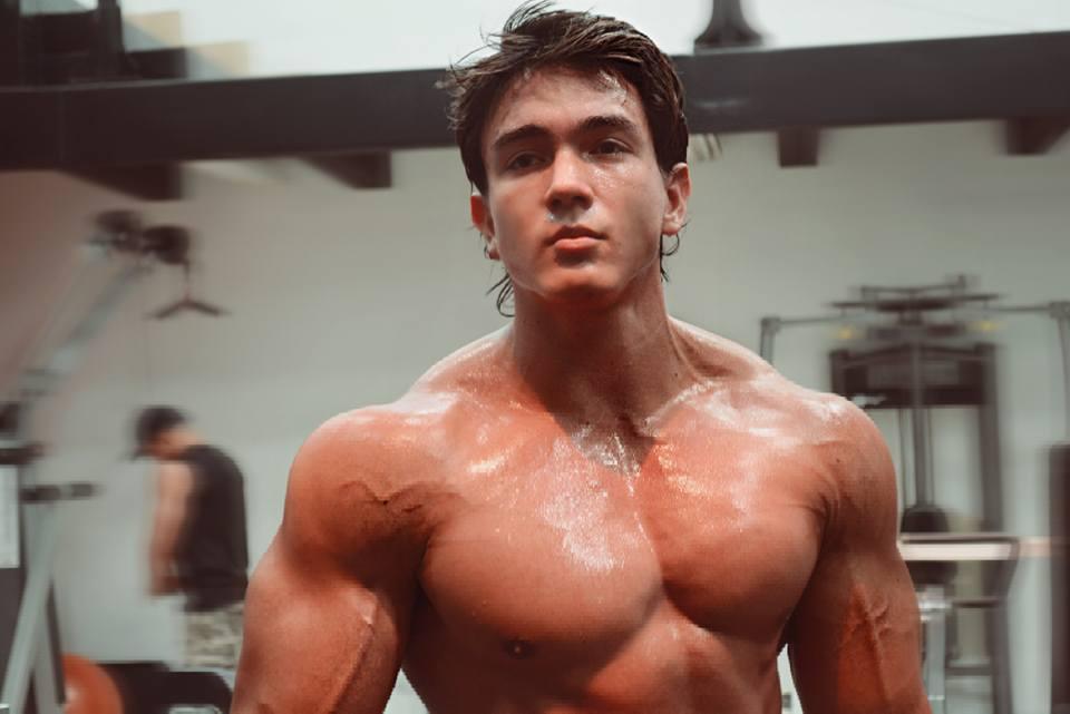 The Beauty Of Male Muscle: Daniel