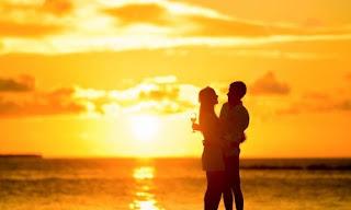 صورة عن الحب: رومانسية وقت الغروب