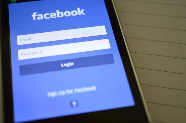 4 Perbedaan Mereka yang Ekstrovert dan Introvert di Facebook