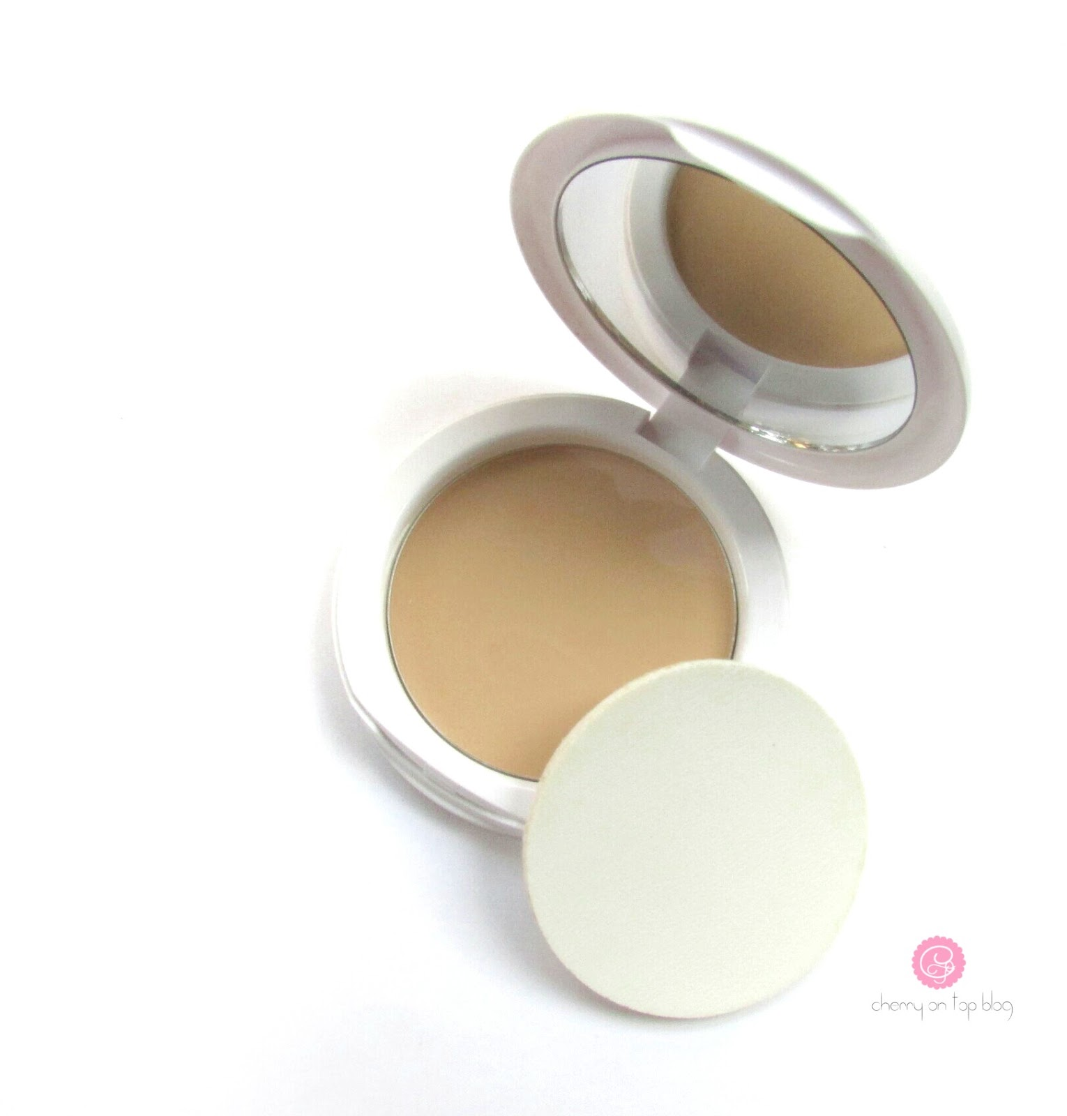 Maybelline White Superfresh 12hr Whitening+Perfecting Compact  Review, Swatch, Price