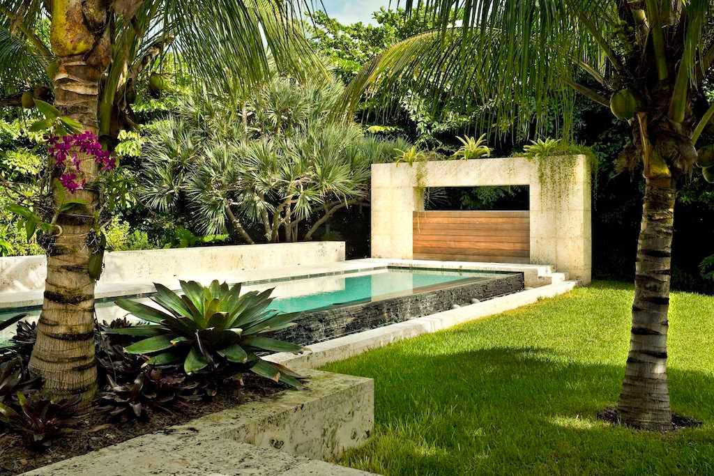 Modern tropical landscape design   Backyard Design Ideas
