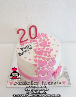 Kue Buttercream Love Cantik
