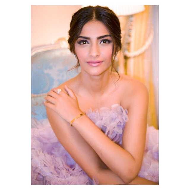 Sonam Kapoor Age, Weight, Height, Figure, Family, Affairs, Wiki And Controversies