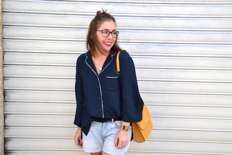 short boyfriend H&M,chemisier pyjama bleu marine H&M, sac jaune moutarde Zara