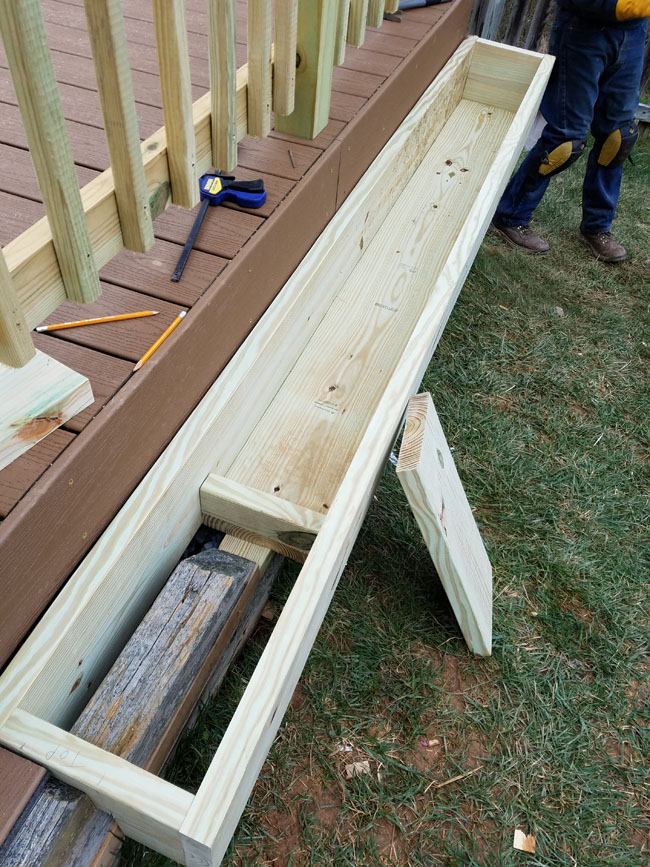 how to build a flower box on the side of deck