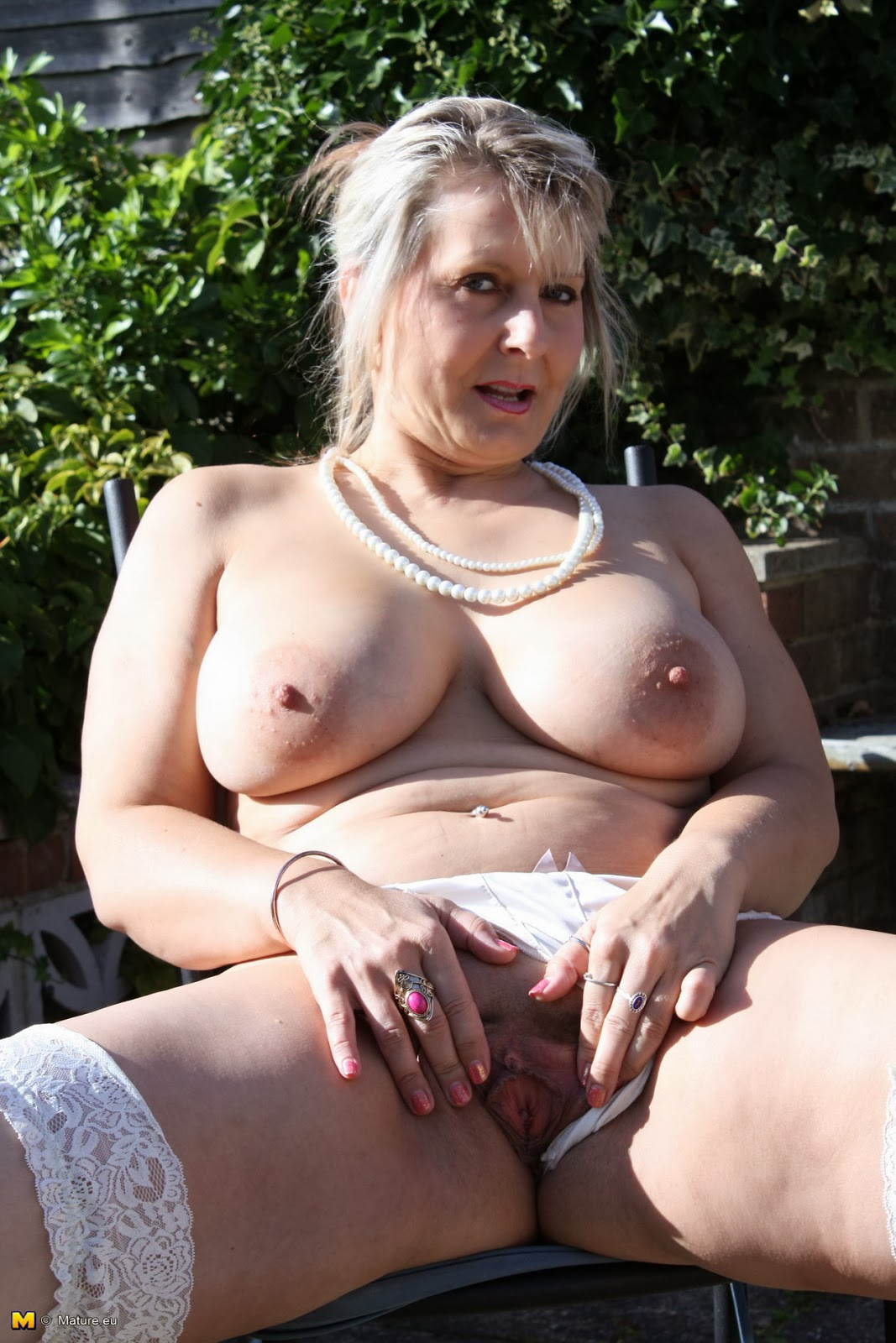 Solo Old Women Pictures 73
