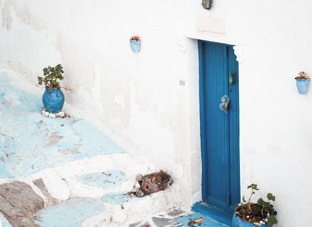 plaka, isla de milos, grecia