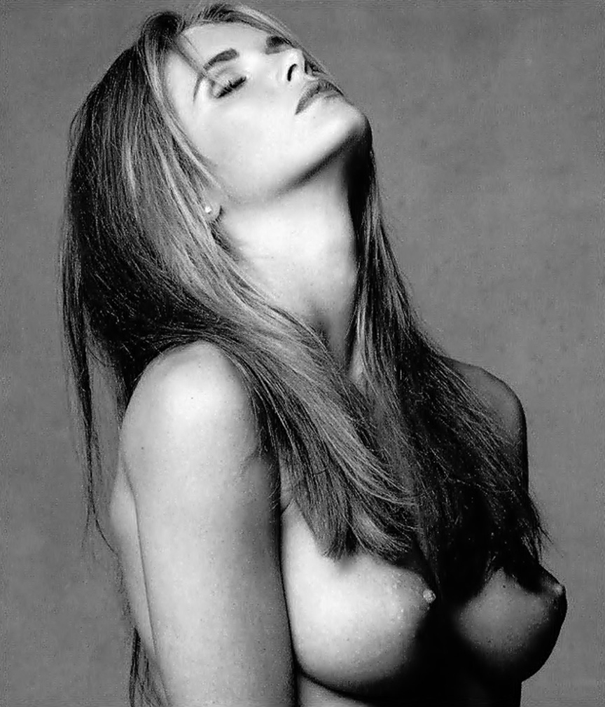 Elle Macpherson With Taped Up Nipples