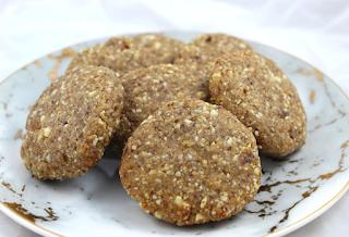 Ginger Cashew Cookies
