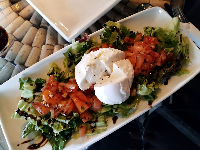 BURRATA SALAD VEENO : THE ITALIAN WINE CAFE' , A GEM IN THE HEART OF CROYDON