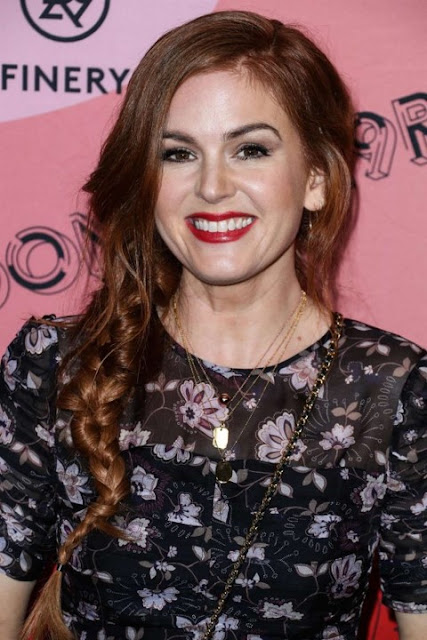 Astrid & Miyu Worn by Isla Fisher