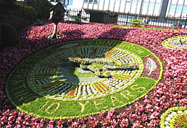 Edinburgh flower clock in princes street gardens