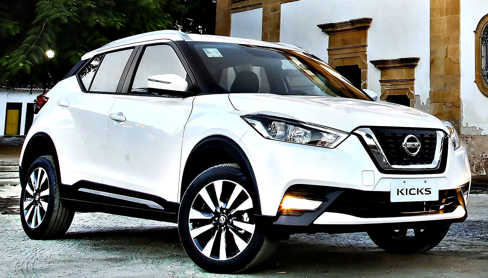 nissan kicks 2017 una opci n crossover. Black Bedroom Furniture Sets. Home Design Ideas