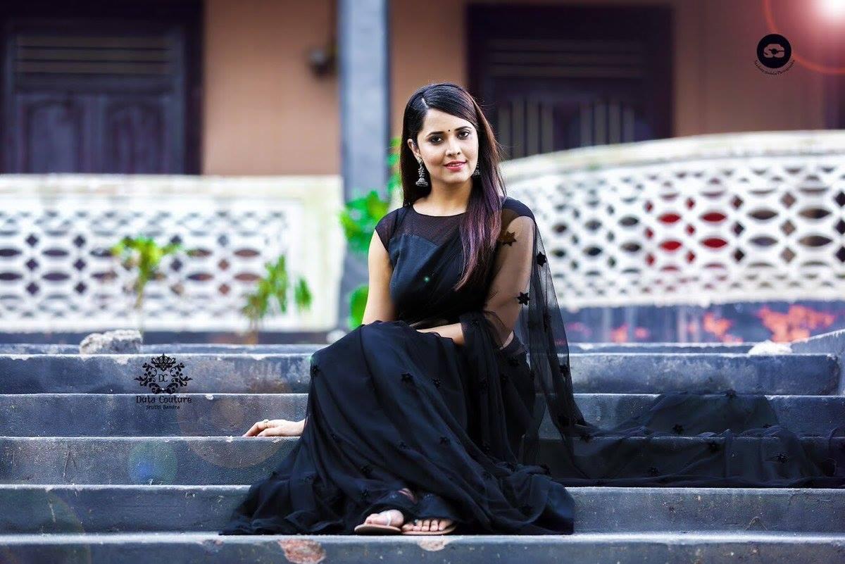 Anasuya hot in thigh slit dress at Zee Cine Awards Telugu