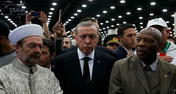 مصدر مقرب يكشف علاقة كسوة الكعبة بانسحاب اردوغان من جنازة كلاي