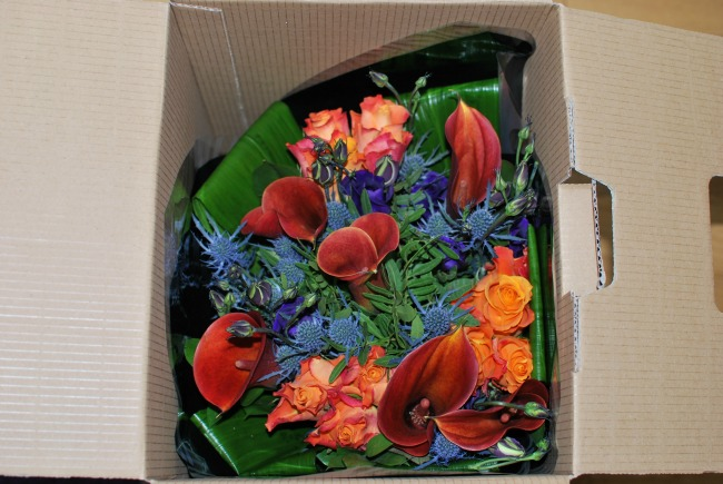 Prestige-Flowers-luxury-bouquet-tekal-inside-the-box