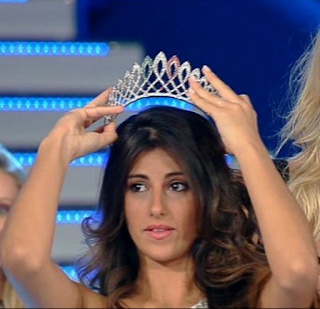 Aylen-Nail-Maranges-Miss-Italy-in-the-World-2012-final
