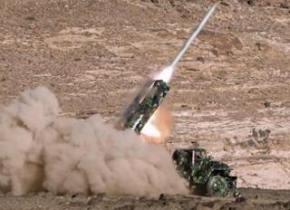 اطلاق 3 صواريخ باليستية يمنية جنوب السعودية