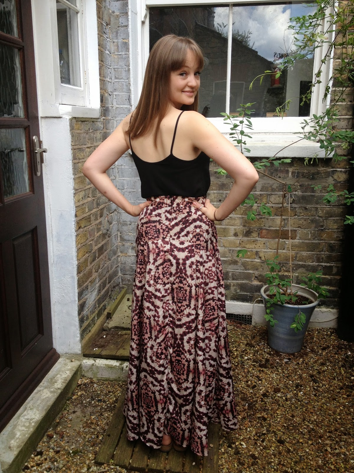 Diary of a Chainstitcher: Tie-Dye Gabriola Maxi Skirt from Sewaholic Patterns