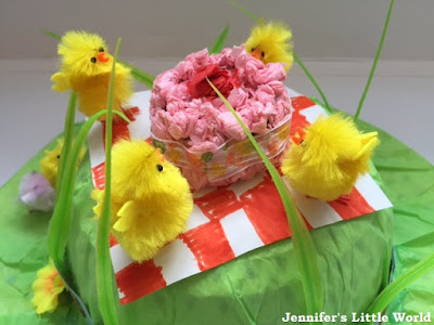 How to make an Easter bonnet with chicks