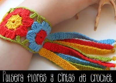 Brazalete Flores Arco Iris de Crochet