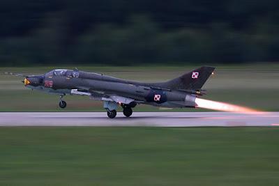 Fim dos Sukhoi Su-22 e MiG-29: Polônia poderá comprar 100 aviões de combate