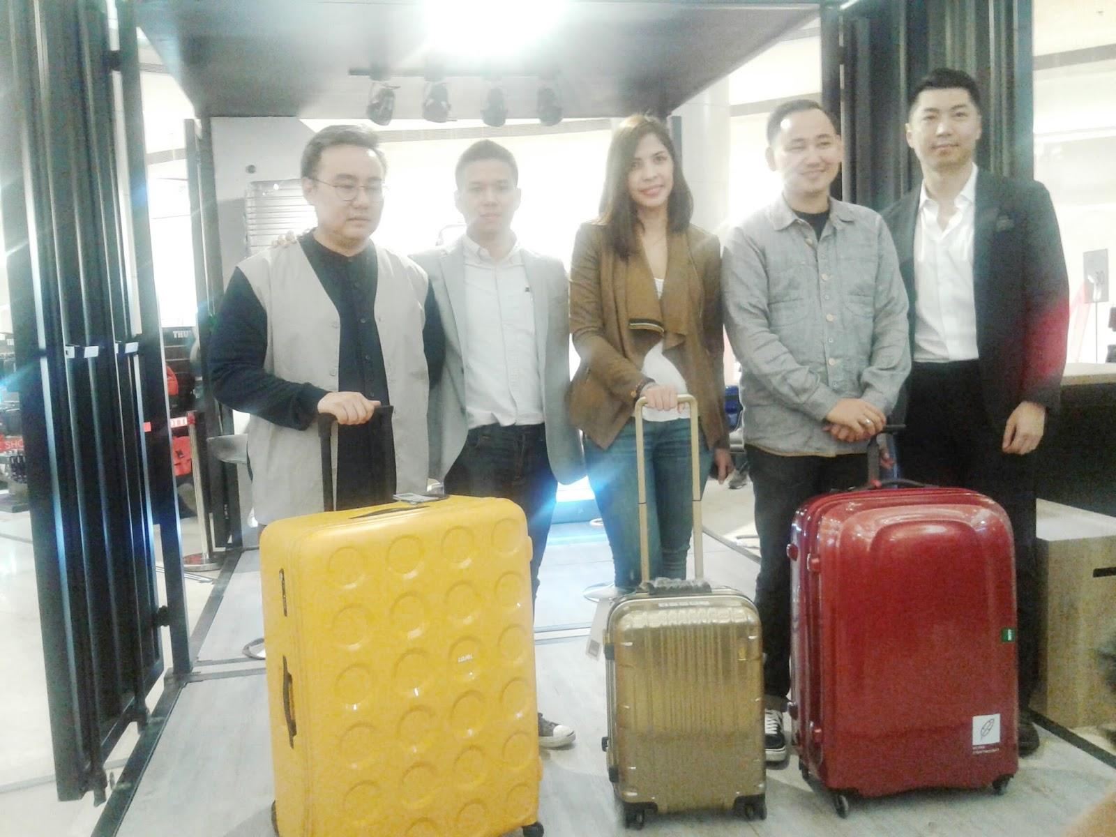 Kali ini saya mau sharing sedikit mengenai beberapa tips memilih koper maupun ransel yang tepat untuk traveling Tips ini saya dapatkan di acara Grand