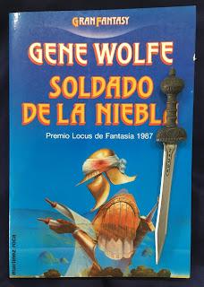 Portada del libro Soldado de la niebla, de Gene Wolfe