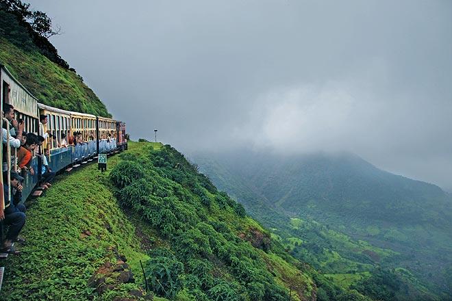 travel yaari mumbai weekend matheran