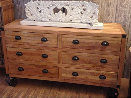 accent chest with drawers
